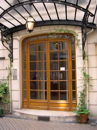 entrance-to-building.jpg